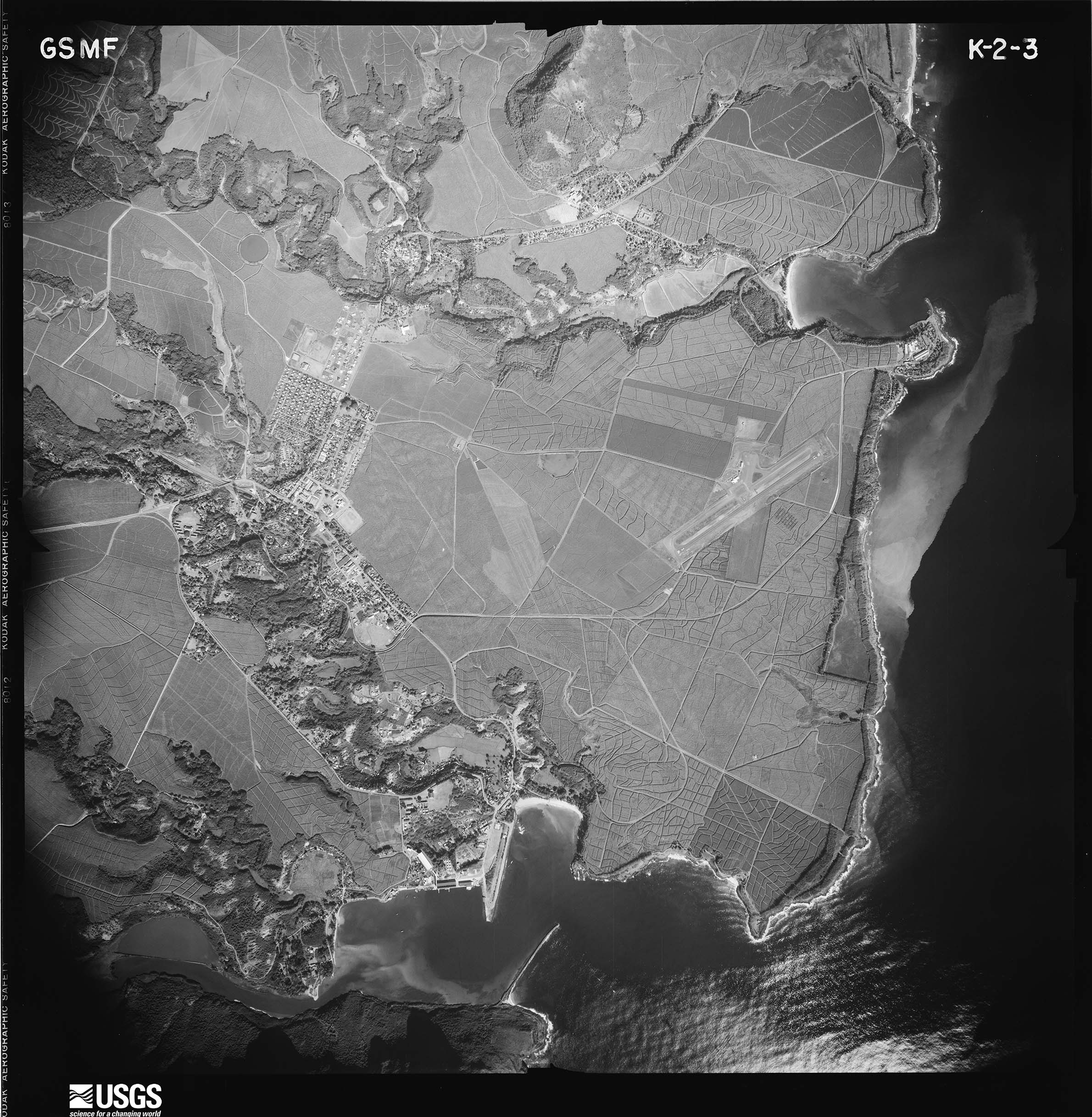 Aerial photograph of Lihue in 1950